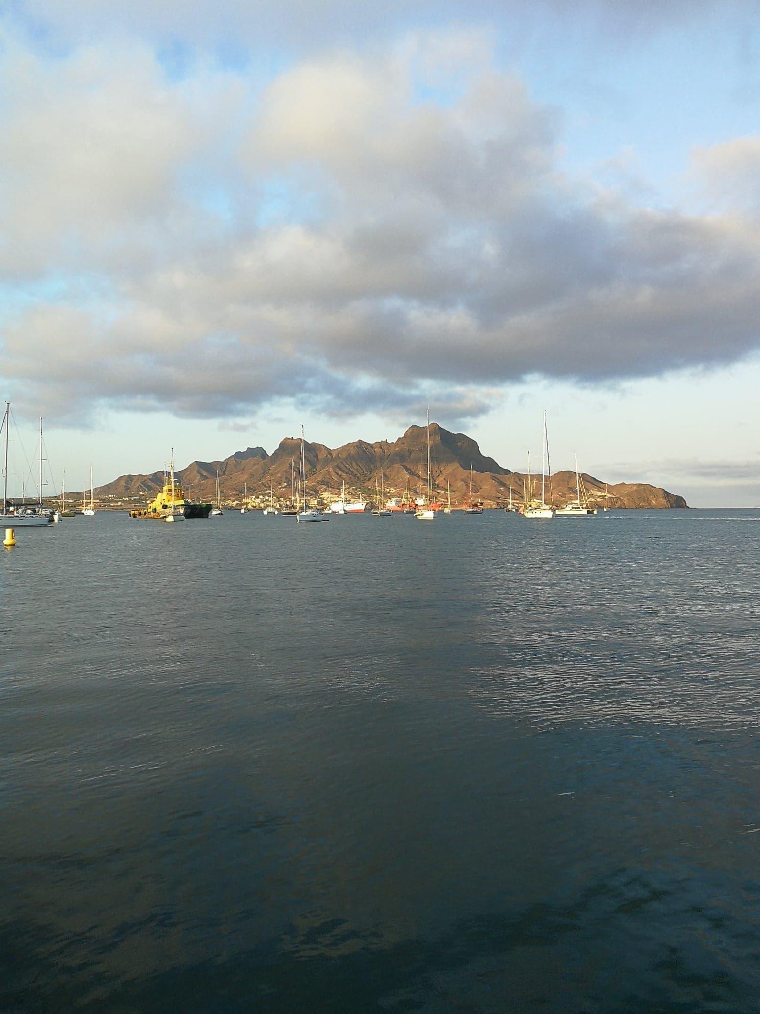 La baie de Mindelo au petit matin